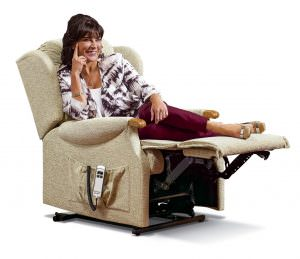 Sherborne Small Lynton Knuckle Fabric Riser Recliner chair